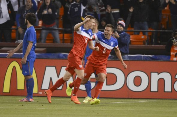 Aron Johannsson celebrates after scoring late in the game.